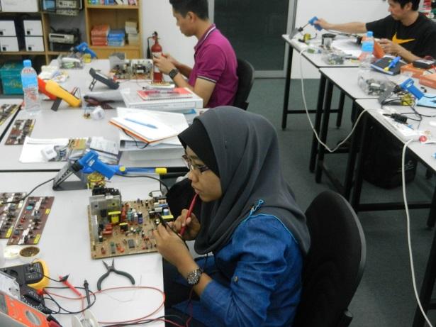 kursus servis elektronik