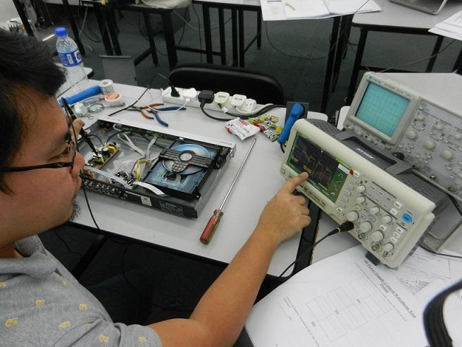 how to use oscilloscope
