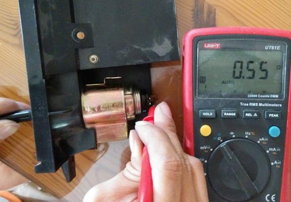 12-volt-car-socket-repair