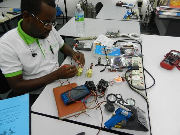 somalia-electronic-student