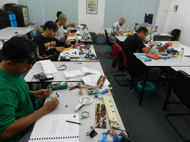 electronic-repair-short-course