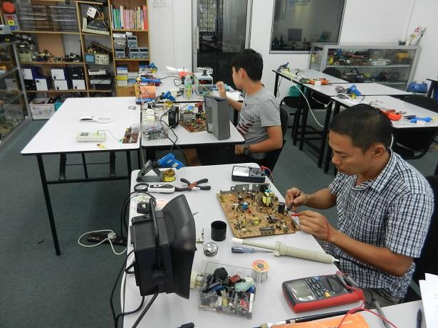 electronics-technician-certificate-course
