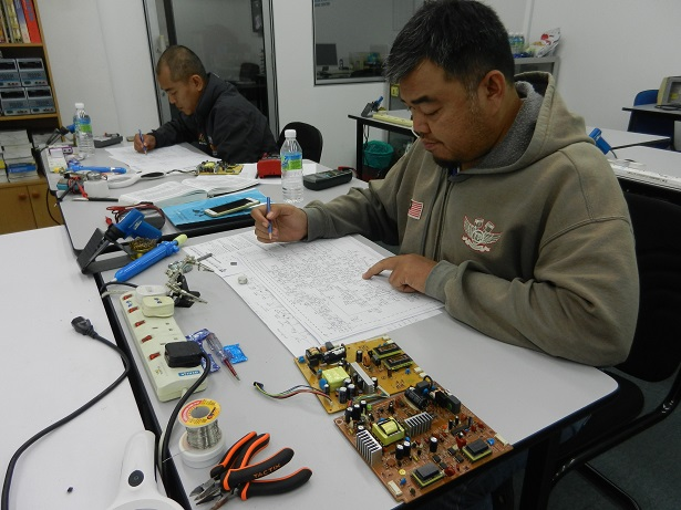 electronic-repair-course