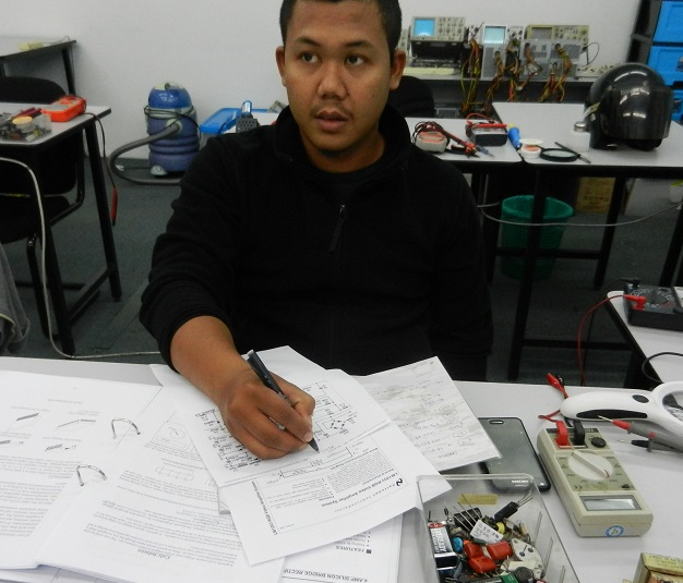 servicing electronic course