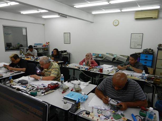 electronics repair class