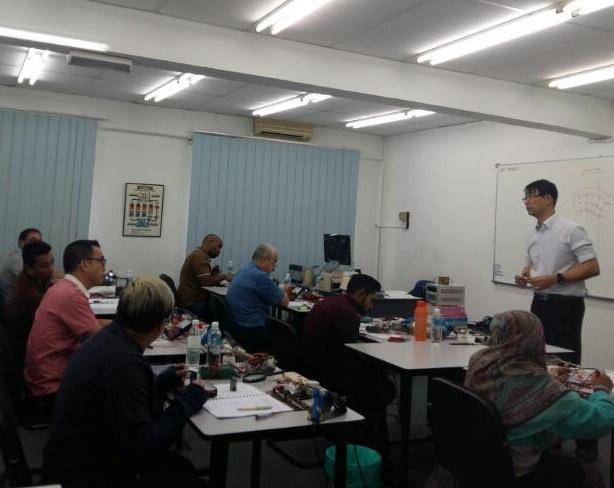 electronics training class