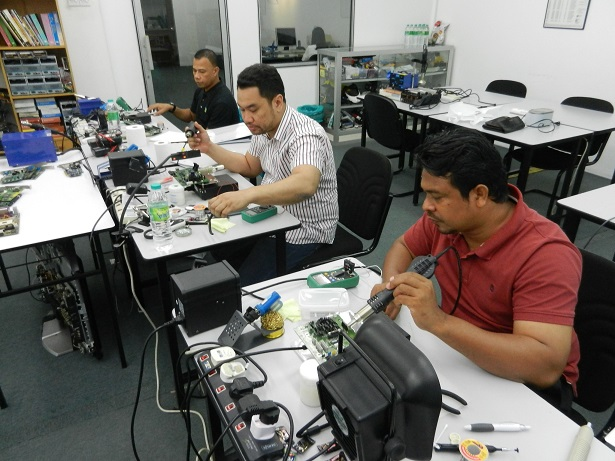 electronic repair training course