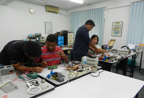 helping each others in electronics repairing