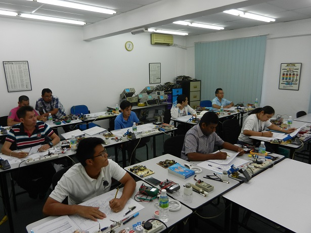 electronics repair training