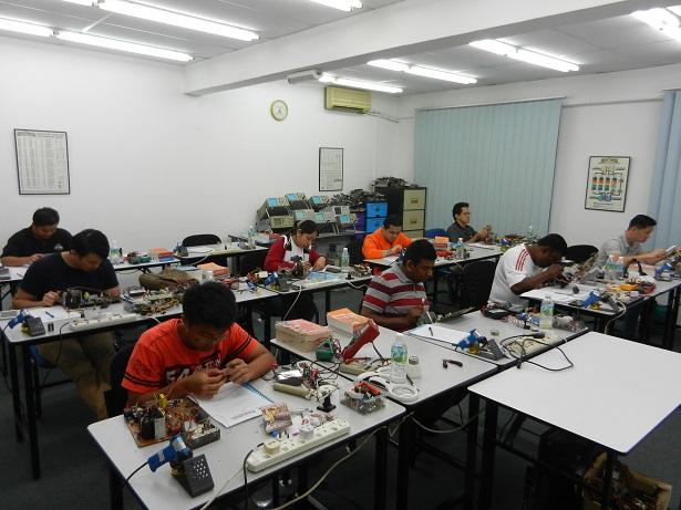 electronic repair class