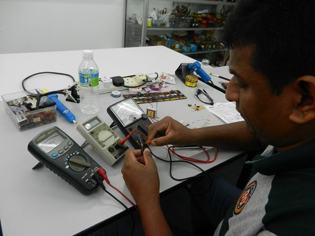 repair by student from india
