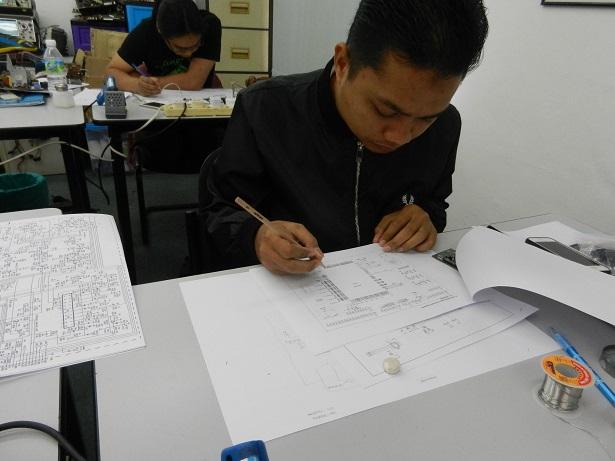 Teknologi elektronik industri