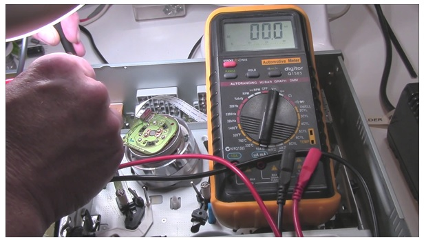 how to check voltage using digital multimeter