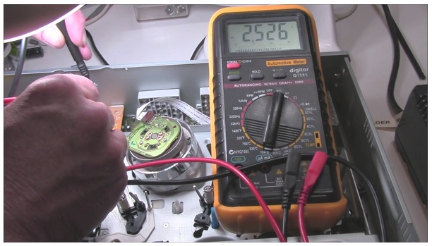 testing voltage in circuit board