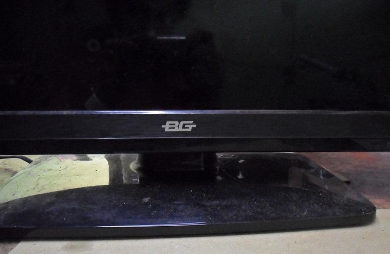 BG LED TV white screen