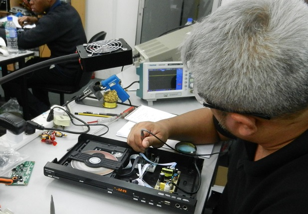 how to check signal in dvd