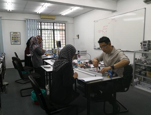 kursus Intensif membaiki elektronik