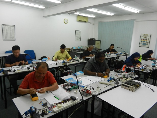 electronics repairing course
