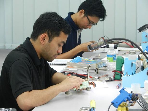 electronic repairing class