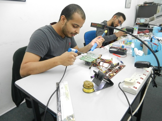 electronics repair course