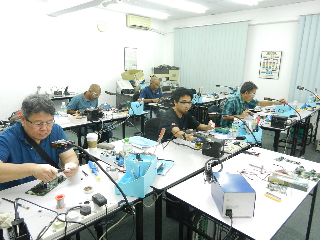 technical course in electronics