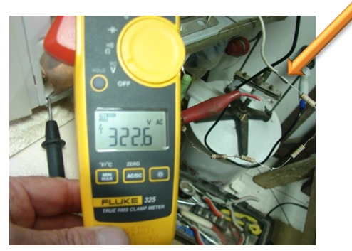 how to measure microwave oven voltage