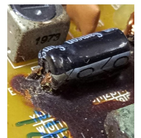 decay glue in capacitor