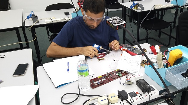 electronics repair course for Oman students