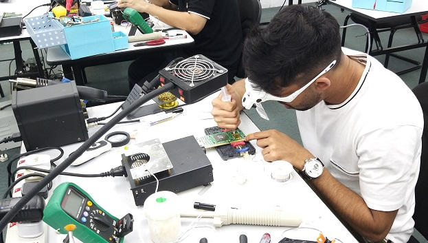 how to repair course attended by Mauritius student