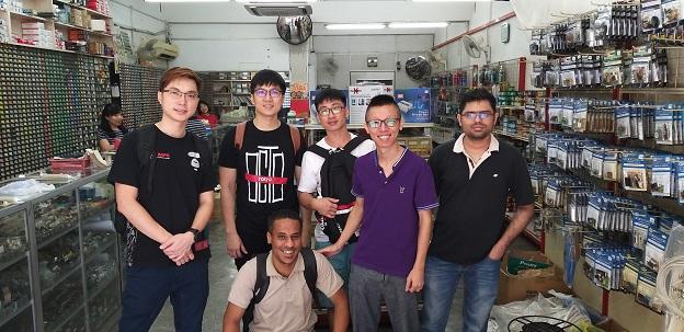 China Students electronics repair