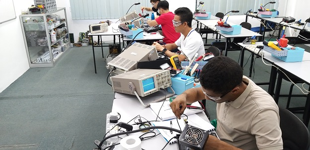 singapore student attend electronic repair course