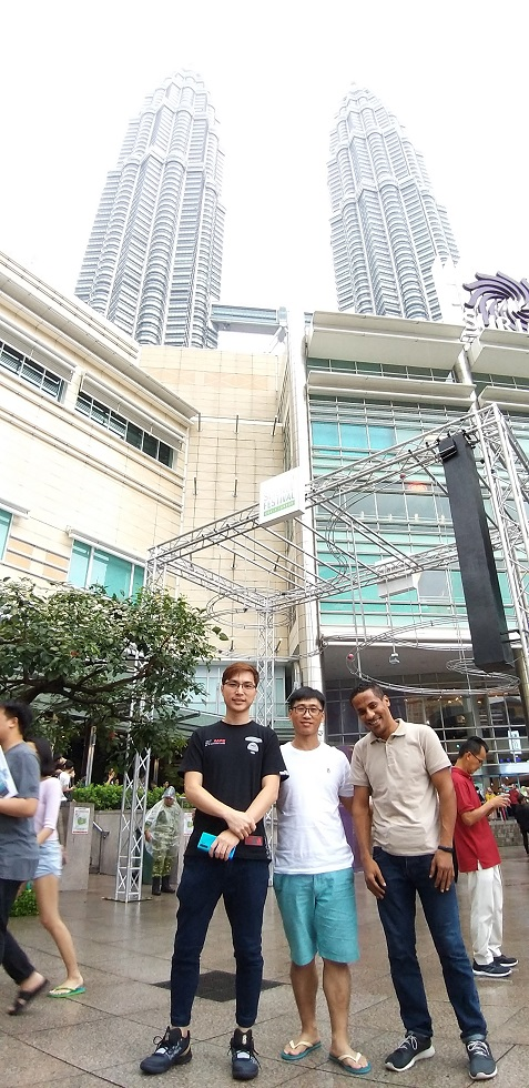 singapore student take electronics repair course and went to klcc