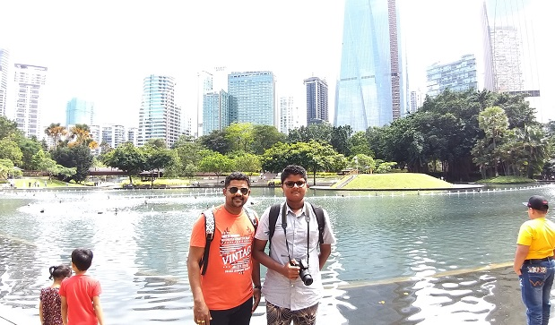 India and Maldives electronics repair students in klcc