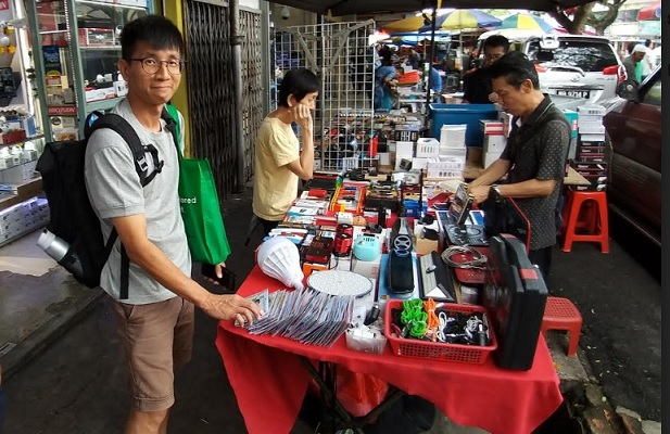 singaporean attend electronics repair course in malaysia
