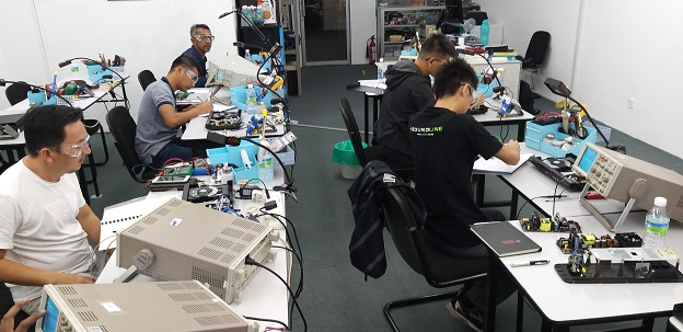 repair course for singapore student