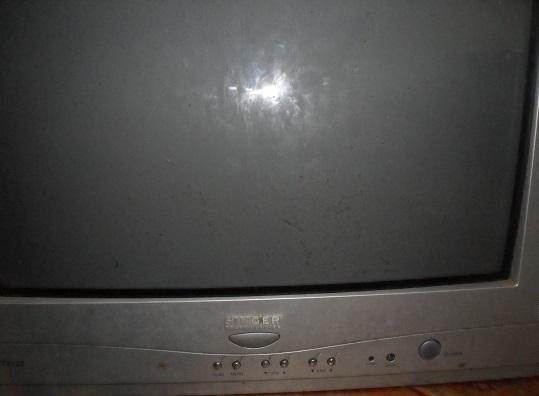 dim display in crt tv repair