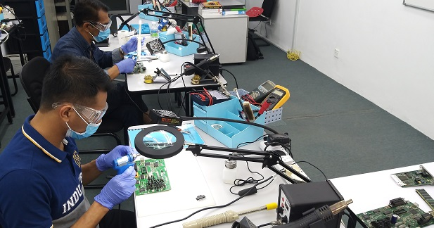 electronics repair course kuantan student