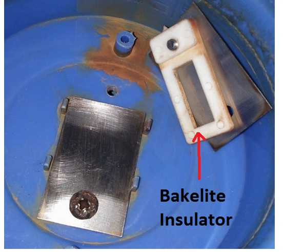 this  is how a bakelite insulator look like