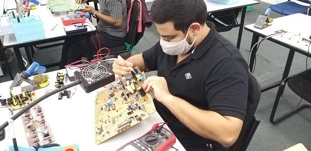 electronic repair course sri langka student