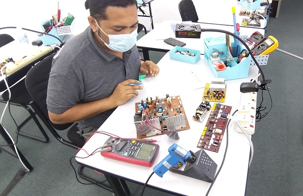how to fix electronics course