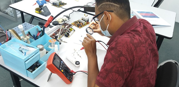 how to fix and repair electronics course