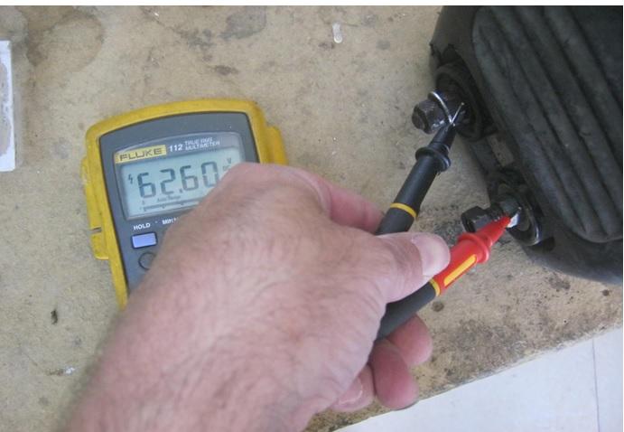 dc output voltage of welding machine